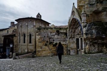 Saint Emilion w Ellen monolith