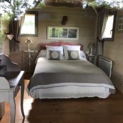 Moulin bedroom